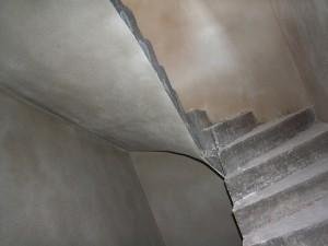 Treppenhaus, verputzt